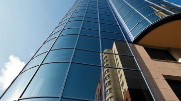 Vidro Refletivo: controle o calor dos ambientes!
